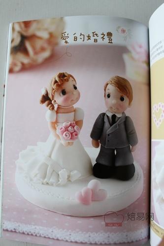 可爱小动物杯子蛋糕  花间鸟叫杯子蛋糕  恋爱的玫瑰花杯子蛋糕  爱